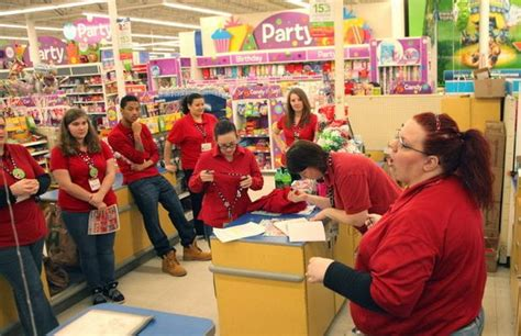 toys r us baby section toys r us hiring 45 000 this holiday season more than