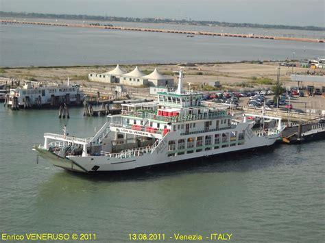 ferry boat venezia lido di venezia