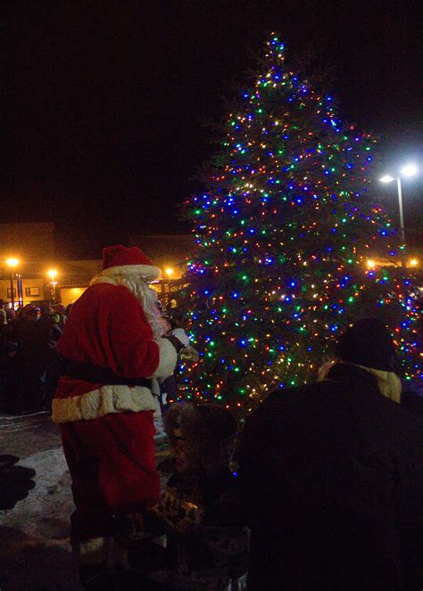 market commons tree lighting ceremony holidays light up downtown downtown marquette michigan
