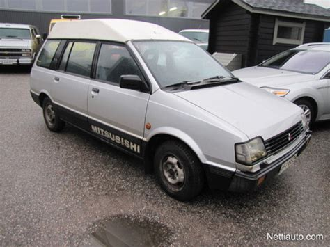 mitsubishi wagon 1990 1990 mitsubishi space wagon photos informations articles