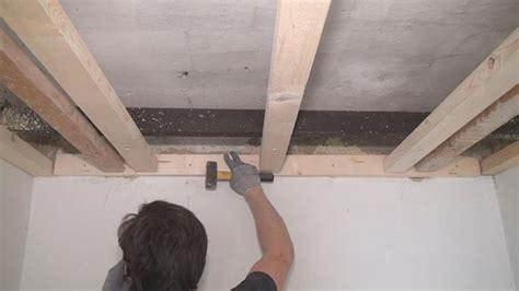Schwere Holzplatte An Wand Befestigen by Die Trockenbau Unterkonstruktion Metall Oder