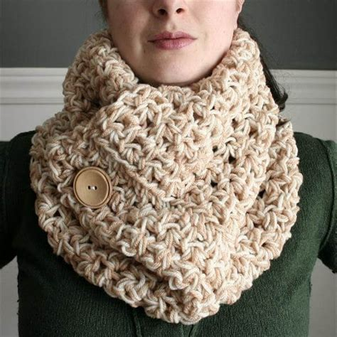crochet diy beautiful free crochet cowl scarves pattern diy and crafts