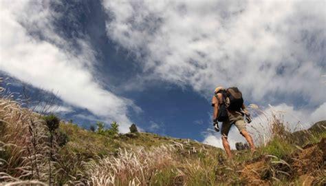 film dokumenter gunung tambora mendaki puncak gunung tambora foto tempo co