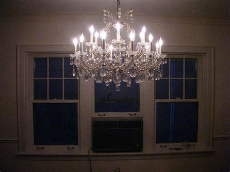 Cleaning Chandelier Prisms How To Clean A Chandelier Chandeliers Chandeliers And Crystals