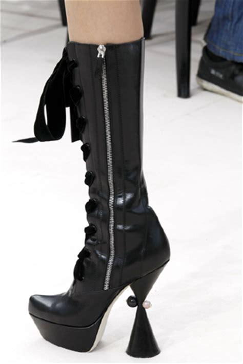 117 Desinger Boots For Winter 2009 2010 by Louis Vuitton The Rosenrot For The Of Avant Garde