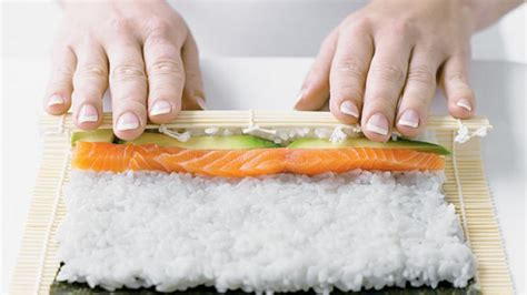 How To Make A by Homelife How To Make Sushi