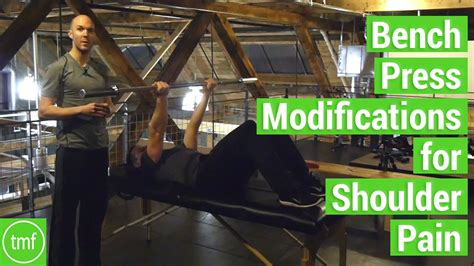shoulder pain when i bench press bench press modifications for shoulder pain week 54 movement fix monday dr ryan