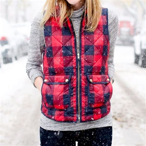 Wallis Has A Go At The Quilted Bay Bag by 1000 Ideas About Excursion Vest On Vests