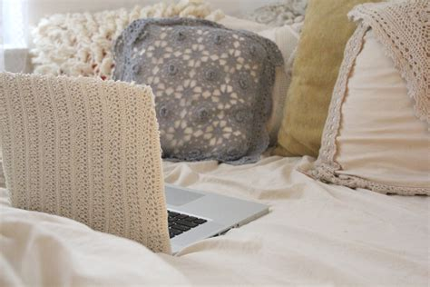 covering a diy diy laptop covers hummusbird