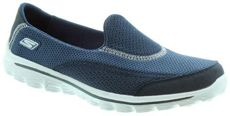 skechers 13590 go walk 2 shoes in navy in navy