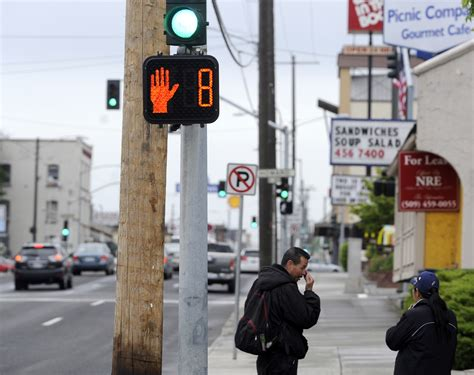 countdown timer with flashing light new crosswalk countdown lights tell pedestrians when the