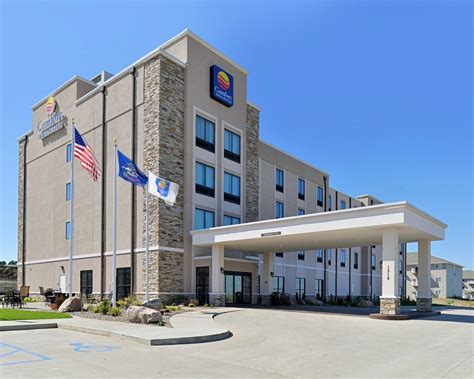 comfort inn and suites bismarck comfort inn suites mandan bismarck in mandan nd