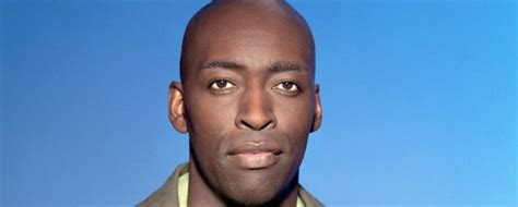 michael jace actor on the shield charged in shooting shield actor michael jace arrested in wife s death
