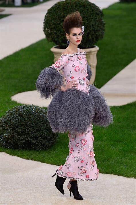 kaia gerber chanel 2019 kaia gerber walks chanel haute couture s s 2019 fashion