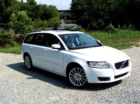 2009 volvo v50 2009 volvo v50 photos informations articles bestcarmag