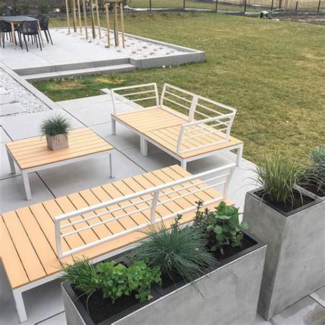 terrasse xoxo terrasse versch 246 nern mit pflanzk 252 beln aus fiberglas