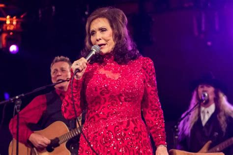 loretta lynns sold out show three concerts at cains more loretta lynn moves houston date houston chronicle
