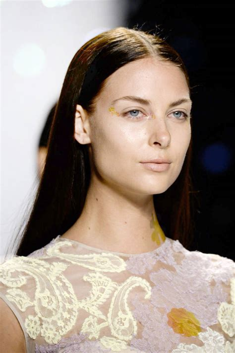 hair straight but tucked under at the ends the latest hairstyle trends for fall 2014 pretty designs