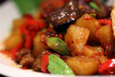 cara membuat sambal goreng kentang yang enak pin by dyah saraswati on indonesian food pinterest