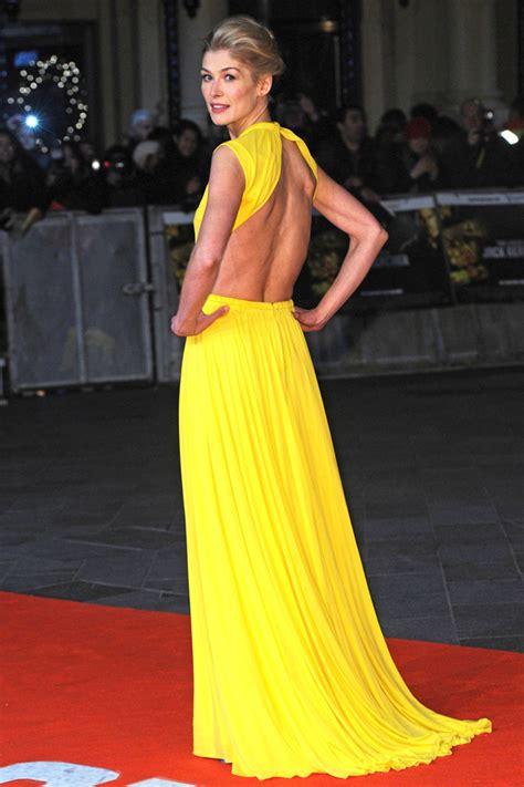 amanda seyfried yellow dress best dressed celebrities of the week fashion inspo