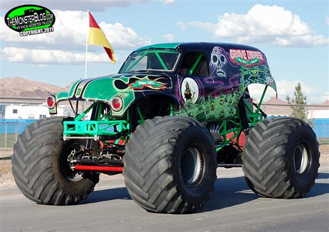 grave digger monster truck wiki grave digger 15 monster trucks wiki fandom powered by