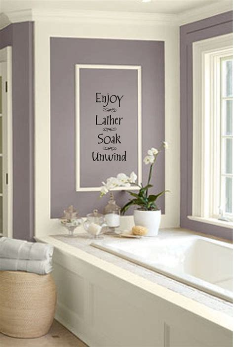 bathroom wall decor ideas best 25 purple bathrooms ideas on purple