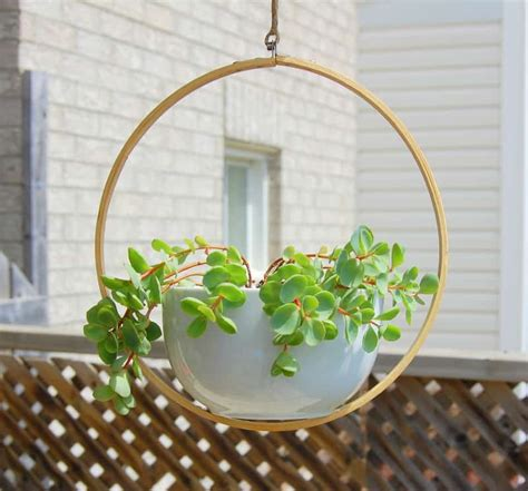 hanging planters diy 20 clever diy planters pots and plant stands little red