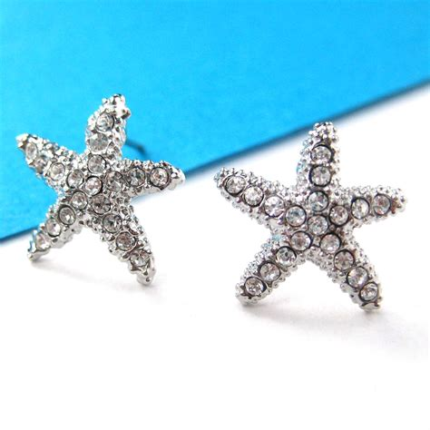 small starfish shaped stud earrings in silver with