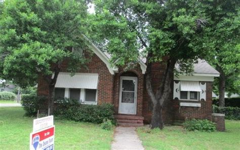 Houses For Sale In Fort Worth by 1801 N Riverside Dr Fort Worth 76111 Foreclosed Home Information Foreclosure Homes