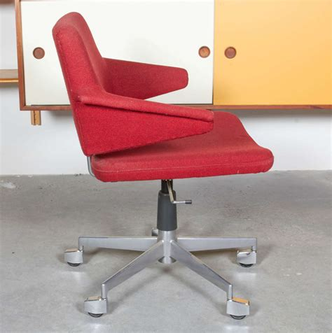 desk chair by kevi on casters at 1stdibs