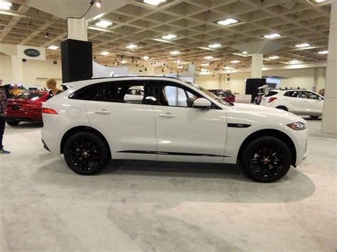 jaguar f pace blacked out what colors were displayed at the auto shows jaguar
