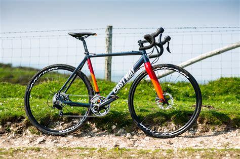 buy cycling cyclocross bike buying guide wiggle guides