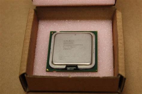 Prosesor Lga 775 Intel Pentium 4 3 0ghz sl7z9 intel pentium 4 630 3 ghz 2m lga775 cpu processor