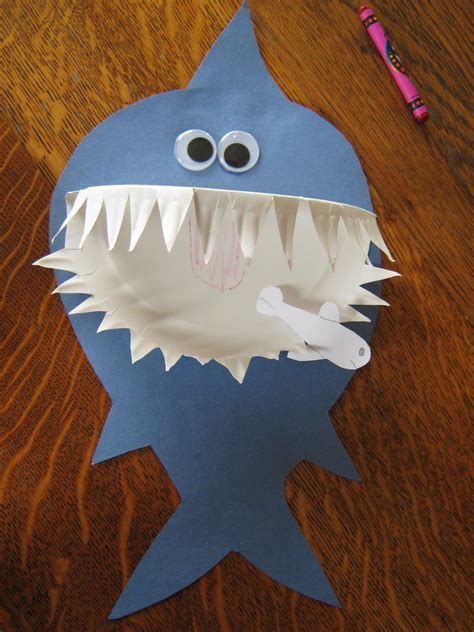 Paper Craft For Kindergarten - preschool crafts for shark paper plate craft