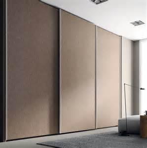 armoire de chambre avec porte coulissante
