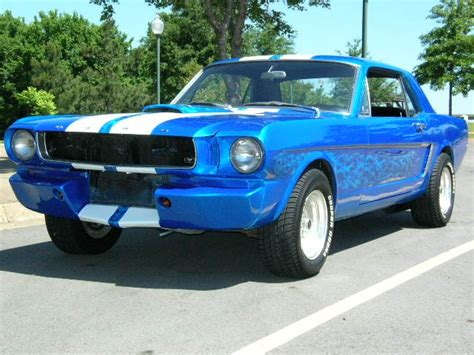1960 Ford Mustang 1960s Ford Mustang With White Stripes
