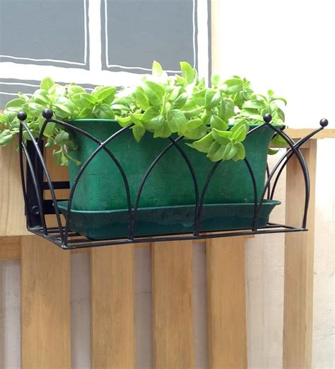 Earth Box Planter by Item Overview