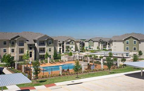 3 bedroom apartments austin tx 3 bedroom apartments austin fox hill offers 1 2 and 3