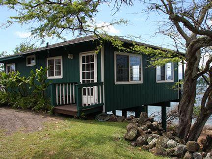 Molokai Cottages by Vacation Rental Puunana Beachfront Cottage Molokai Hawaii