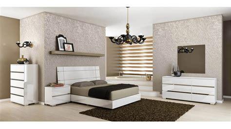 modern corbusier nightstand white high gloss acrylic lacquer zuri furniture