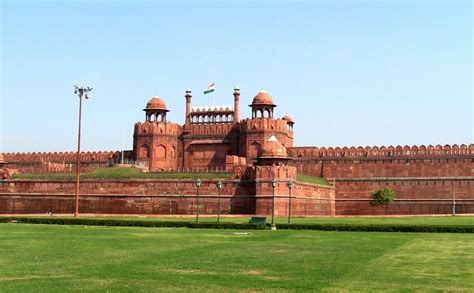 Top 10 Historical Places & Monuments of Delhi