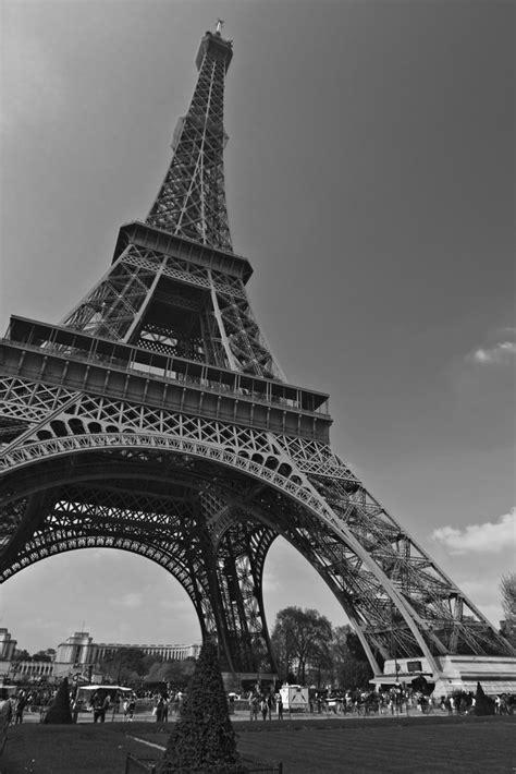 imagenes a blanco y negro de la torre eiffel la torre eiffel en blanco y negro 2 web i blog i