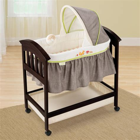 classic comfort wood bassinet com summer infant classic comfort wood bassinet