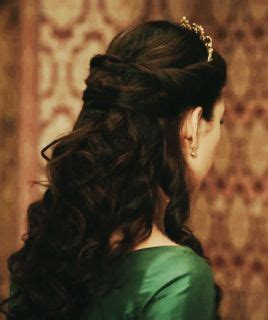 reign hairstyle the 25 best reign hairstyles ideas on pinterest reign