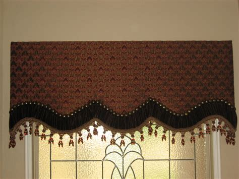 Custom Fabric Cornices Custom Cornice Board W Nailheads Flickr Photo