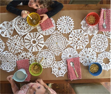 Paper Table Decorations To Make - diy 2015 christmas day paper decorations crafts you