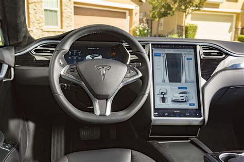 Tesla Model S 60 2017 Chevrolet Bolt Ev Vs 2016 Tesla Model S 60 High
