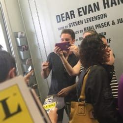 hansen ls new york dear evan hansen 29 photos 26 reviews theatres 239