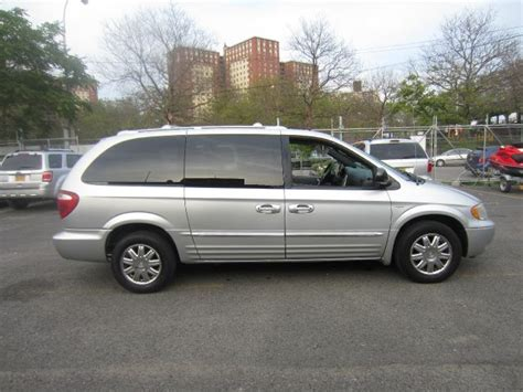 Chrysler Town And Country 2004 by 2004 Chrysler Town And Country Touring Details