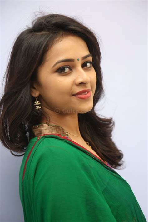 heroine photos heroine photos rayudu heroine sri divya new pics photos rayudu heroine
